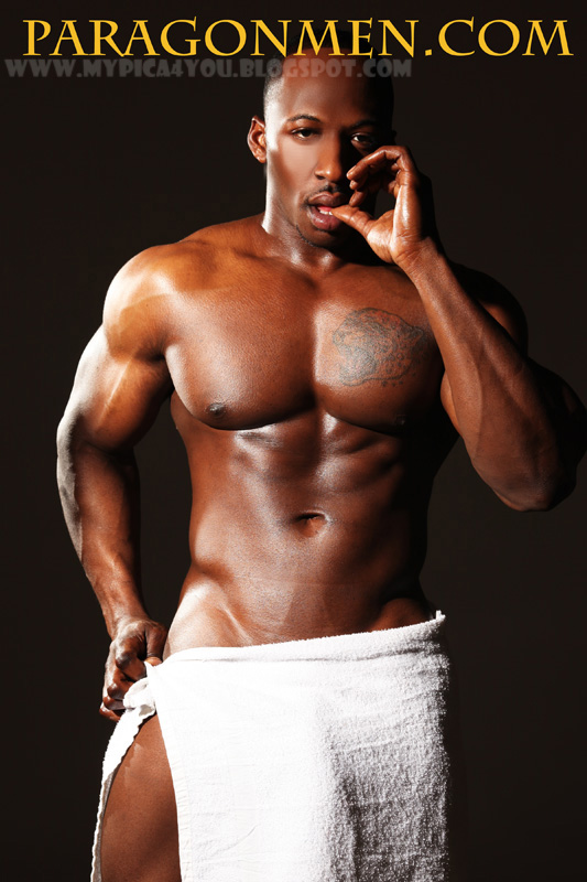 ulisses jr naked jpg 422x640